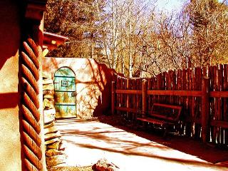 Taos rental historic adobe walk town enclosed yard patio high speed internet - Taos vacation rentals