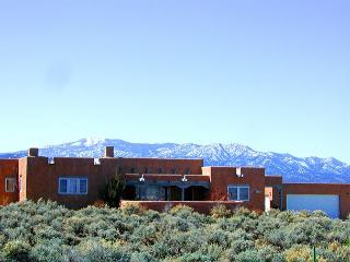Taos house 360 degree mountain town views hot tub private fireplace patio - Taos vacation rentals