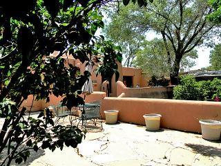 Artist Retreat 2 Walk to Plaza Enclosed Yard Hot Tub - Taos vacation rentals