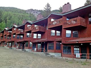 Taos Ski Valley Condo - 2 minute walk to lifts - Taos Ski Valley vacation rentals