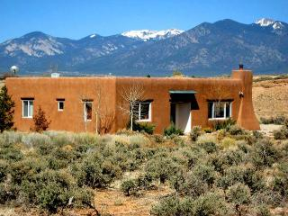 A Hidden River House Private setting  Big Sky Views Walk to a hidden River - Ranchos De Taos vacation rentals