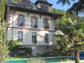 Château les Terrasses à 5 km de Grenoble centre - Saint-Martin-d'Heres vacation rentals