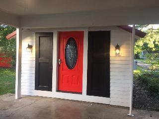 Cajun Hostel Studio On the Crest - Lafayette vacation rentals