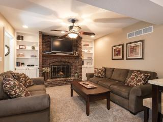 Beautiful 2 Bd Rm Neighborhood Apartment. - Leawood vacation rentals