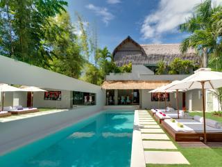 Central SEMINYAK - Total Luxury @ Villa Elegancia - Seminyak vacation rentals