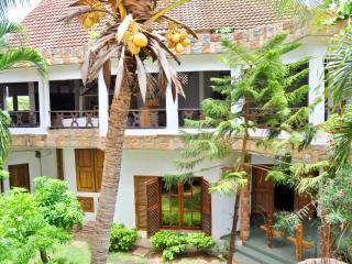 Grde Maison charme et caractère.Lomé centre ville - Lome vacation rentals