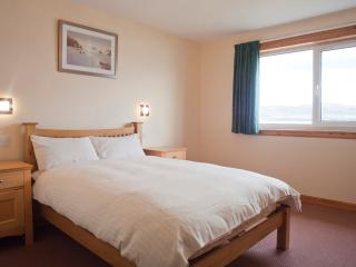 Spacious 10 person en-suite accommodation - Inverness vacation rentals