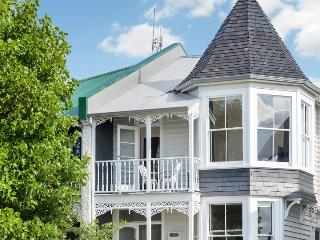 Pretty Character Filled Apartment On Top Floor Of Refurbished Villa In Grey Lynn - Herne Bay vacation rentals