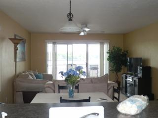 amazing sunset views, great complex and deals - Osage Beach vacation rentals