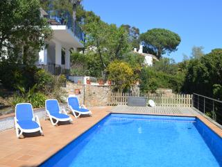 Peacefully located villa ideal for 2 families, pool & sea views - Begur vacation rentals