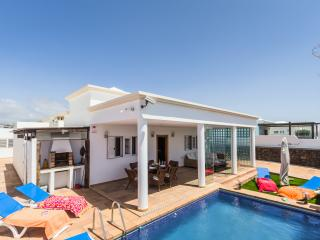 Bright Villa with DVD Player and Microwave - Tias vacation rentals