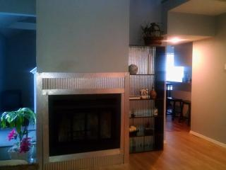 Updated town home off the beaten path - Sand Springs vacation rentals
