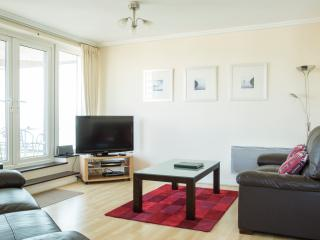 Spacious 2 bed apartment with views - Woking vacation rentals