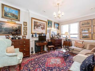 Sloane Square 4 Bedroom 3 Bathroom House (3469) - London vacation rentals