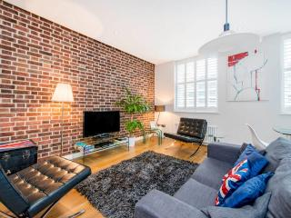 Covent Garden 2 Bedroom 2 Bathroom (4119) - London vacation rentals