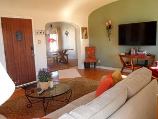 Span Duplex Upper, 1350 SF , 2/1, Furnished, +PK - Long Beach vacation rentals
