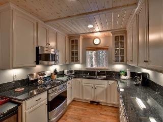 Lovely 3 BR-2 BA Cabin in South Lake Tahoe (HV01) - South Lake Tahoe vacation rentals