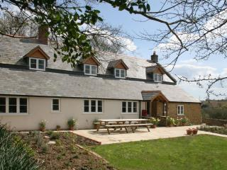 Spacious 6 bedroom House in Bradpole with Internet Access - Bradpole vacation rentals
