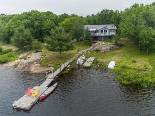 Adorable Cottage with Satellite Or Cable TV and Parking - Mactier vacation rentals