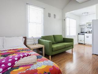 Large Studio on Speedway in Venice, just steps from the sand - Venice Beach vacation rentals