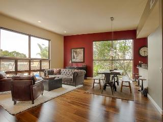 High end and spacious townhome w/ high ceilings and unique furnishings - Venice Beach vacation rentals