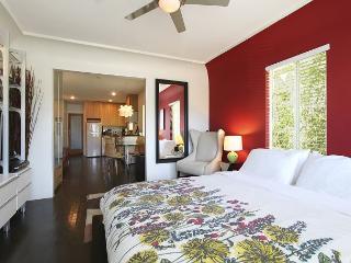 Modern apt Just steps away from Abbott Kinney - Venice Beach vacation rentals