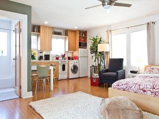 Perfect Studio with private deck and lots of light. Steps to Abbot Kinney - Venice Beach vacation rentals