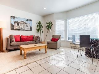So close to the beach you might as well sleep on the sand! - Venice Beach vacation rentals
