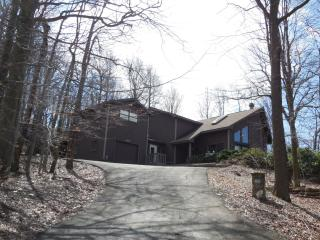 Nice 4 bedroom Condo in Hidden Valley - Hidden Valley vacation rentals