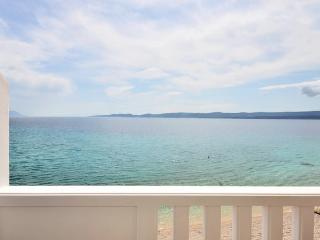 Stunning apartment right at the beach - Mimice vacation rentals