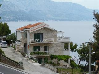 Three-bedroom apartment with terrace and sea view - Mimice vacation rentals