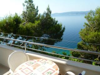 Two bedroom apartment with balcony and sea view - Mimice vacation rentals