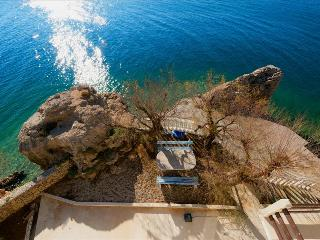 """Studio """"Val 2"""" with balcony few meters from the sea - Mimice vacation rentals"""