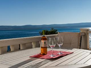 """Studio """"Val 4"""" with balcony few meters from the sea - Mimice vacation rentals"""