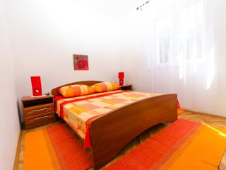 Comfort apartment near the beach - Trogir vacation rentals