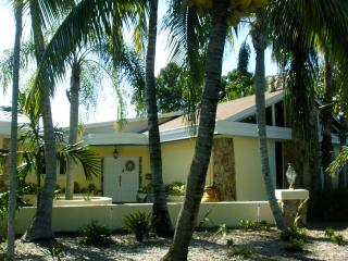 Resort Style Living In Pinecrest, Miami Fla. - Coconut Grove vacation rentals