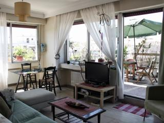 Cozy Apartment with Internet Access and Satellite Or Cable TV - Thessaloniki vacation rentals