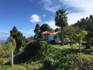 Romantic Villa in Santa Cruz de la Palma with Internet Access, sleeps 4 - Santa Cruz de la Palma vacation rentals