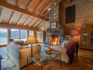 Country Chic Log Home - Perfect Getaway - Pawlet vacation rentals