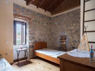 Traditional stone house in Exochori Kardamili Mani - Exochori vacation rentals