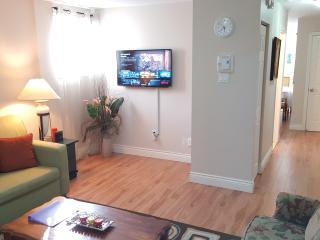 Comfortable Condo with Internet Access and Dishwasher - Montreal vacation rentals