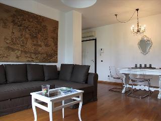 APARTMENT MILANO CITY (FIERA) TORTONA - METRO - Milan vacation rentals