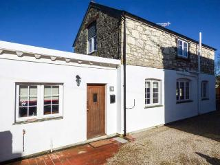 BAKERS COTTAGE detached spacious cottage, hot tub, woodburner in St Dennis Ref 932881 - Saint Dennis vacation rentals