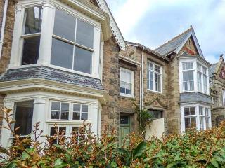 ARMERIA HOUSE, all bedrooms with TV, open fire, pet-friendly, courtyard, in - Penzance vacation rentals
