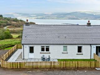 SUNSET COTTAGE, pet friendly, country holiday cottage, with a garden in Salen - Salen vacation rentals