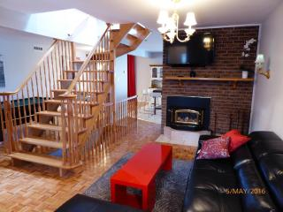 Big cozy house 2 stories + basement - Montreal vacation rentals