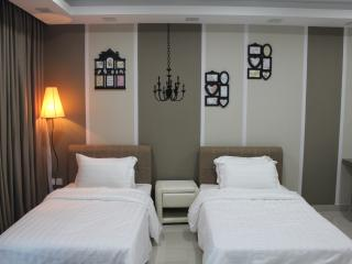 De Houz Superior Twin Studio Type Room - 3 - Shah Alam vacation rentals