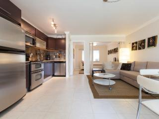 Fort Lauderdale Beach, 1 BR Waterfront, Dockage, GREAT LOCATION - Fort Lauderdale vacation rentals