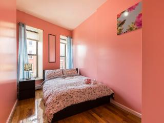 Helen's apt.  4 bedrooms 2 baths for 8-10 people - Queens vacation rentals