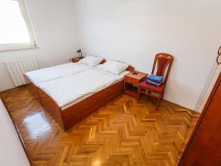 Spacious room in nice location - 204 - Kastel Luksic vacation rentals